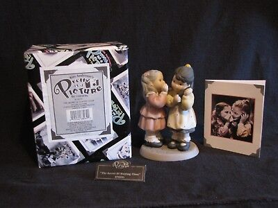 """1999 Enesco Pretty as a Picture """" The secret of staying close """" Figurine"""
