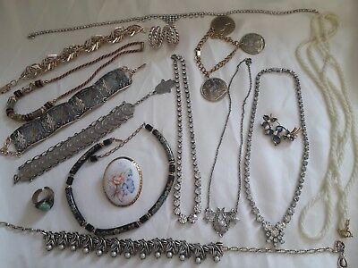 Mixed Job Lot Of Vintage, Retro, Modern Jewellery Bracelets Brooches Necklace