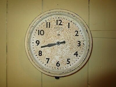 Antique / Vintage W/|D marked Smiths Bakelite Wall Clock with wind up movement