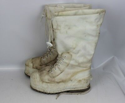 New GI Genuine Mukluk ECW Canadian Cold Weather Military Boots w Liner 10R