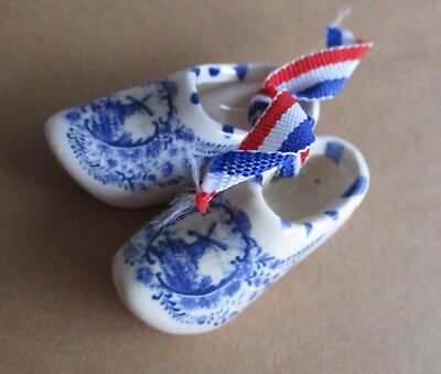 Tiny Pair of Ceramic Holland Dutch Shoes Netherlands Souvenir  NEW