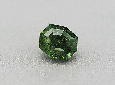 Rt -   Demantoid Granat - Demantoide Garnet - Namibia   9,11 Ct