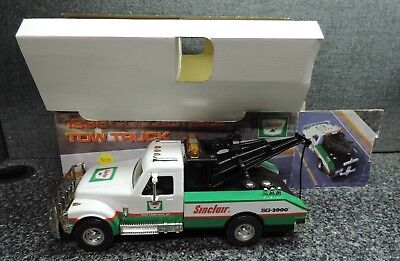 Sinclair 1998 Collectible Tow Truck Mint in Box Unused 3rd in Series