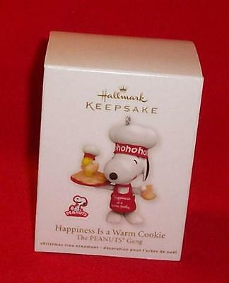 Hallmark 2011 HAPPINESS IS A WARM COOKIE Chef Snoopy Woodstock Peanuts Ornament