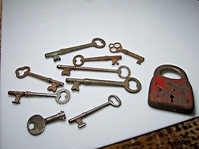 Lot Antique Skeleton Keys and Lock Vintage