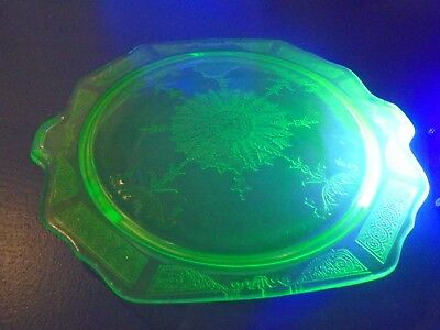 Anchor Hocking Depression Princess Pattern Cake Plate Vaseline Uranium