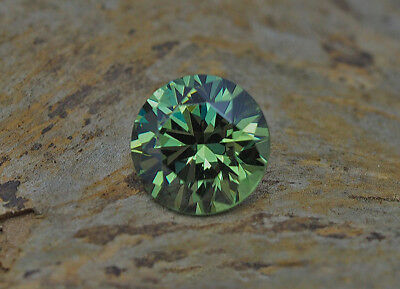 Rt - Demantoid  Granat -  Demantoide Garnet - Orig. Namibia   4,97 Ct