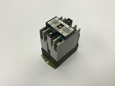 Square D 8501 XMO-40 Industrial Control Relay, 4-Pole, Coil: 110/120VAC 50/60Hz