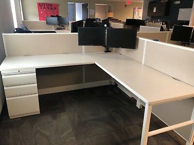 CUBICLE/PARTITION SYSTEM by HON OFFICE FURNITURE 6ft x 6ft