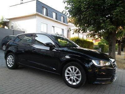 Audi A3 2.0 TDi 136cv SPORTBACK // FULL OPTION //
