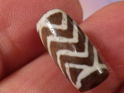Ancient Etched Indo-Tibetan Agate 4 Zig Zag Tiger Chung Dzi Bead 17.1 By 8.2 Mm