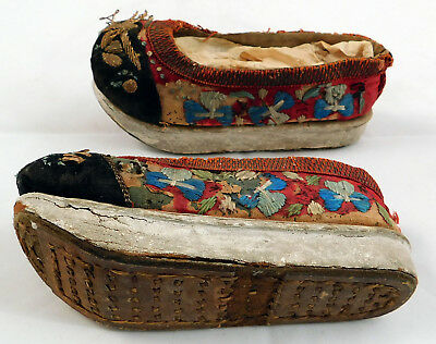 Antique 19th Century Chinese Embroidered Childs Wedge Pedestal Boat Shape Shoes
