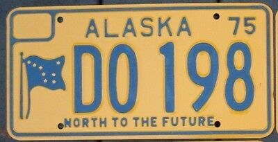 Vintage 1975 ALASKA License plate - EXCELLENT to near MINT unused   DO 198   ^