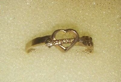 10k Yellow Gold Heart Toe Ring.  Size 4 1/2+  ((653))