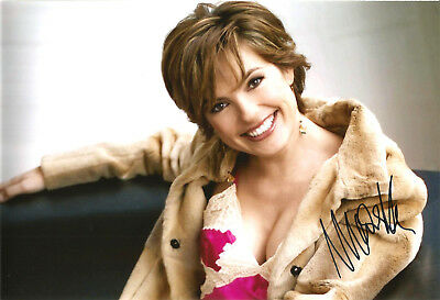 MARISKA HARGITAY: Law & Order: Special Victims Unit - 20x30 cm *IN PERSON* #4#