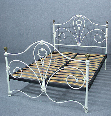 Double Bed, Beautiful Victorian Style Cream Metal Double Bed