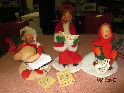 Lot of Annalee Figures 2 Carolers Woman with Poinsettia in Pot