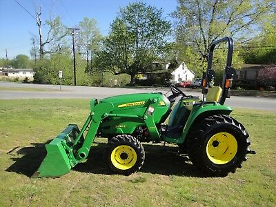 Very Nice    John Deere 3032E  4X4  Loader Tractor Only 202 Hour