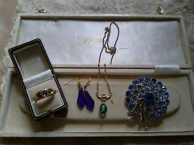 Small lot of vintage costume jewellery.ring brooch earrings necklace.