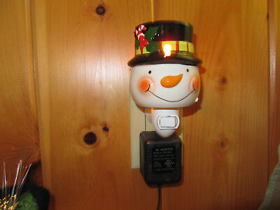 Snowman plug-in tart warmer ~ Use with or without tarts as a night light ~ SALE!