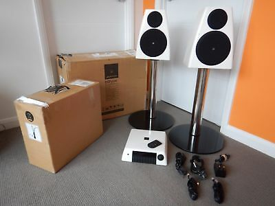 Meridian DSP 3200 Active Speakers and AC200 Audio Core System - Mint Condition