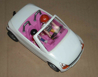Petite Voiture Playmobil + Peronnages