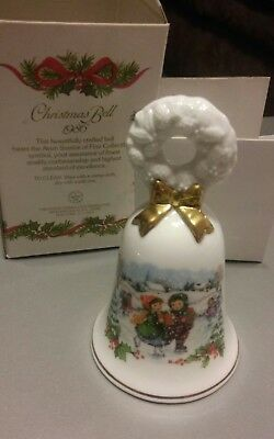 Vintage Avon 1986 Christmas Bell NEW IN BOX