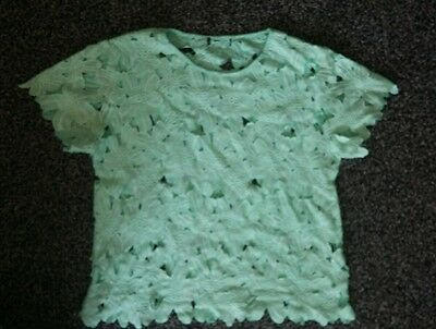 Stunning ladies size L mint green open floral lace top. Excellent condition