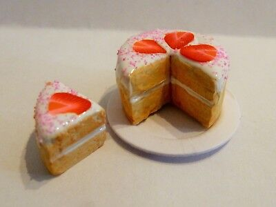 Dolls House Miniature Food * Sliced White Strawberry Cake Plate Combined P+P