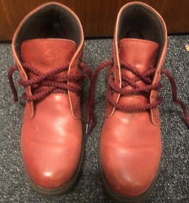 607fdbd19d MOSHULU SIZE 5 Red Boots
