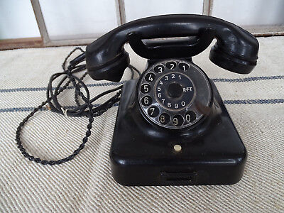 Q7257 Old Telephone with Dial - Bakelite - W48 - Remote North