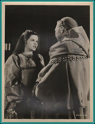 """GENEVIEVE BUJOLD & ANTHONY QUAYLE in """"Anne of The Thousand Days""""-Original Photo"""