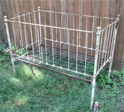 Antique Usa Cast Iron Fineal Child Toy Doll Daybed Flower Garden Bed Bench Crib