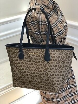 NWT Michael Kors Candy Large Reversible Tote Wristlet Navy Khaki Signature  brown 286610dd62a51