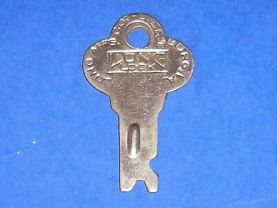 Vintage Long Lock Co. Trunk Key #T-46
