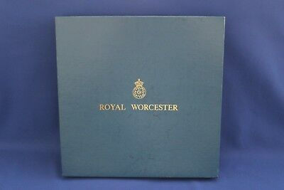 Boxed Royal Worcester ( Silver Chantilly ) Gateau  / Cake Stand Unused
