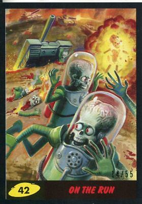 Mars Attacks The Revenge Black [55] Base Card #42 On the Run