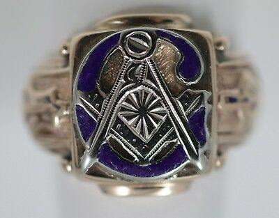 Vintage Gents Masonic Ring in 10K Yellow Gold Size 8.5