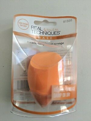 Real Techniques by Sam & Nic Base Miracle Complexion Sponge, Damp or Dry