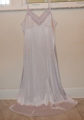 Vintage Vanity Fair Lacy Nylon Nightgown--Size-Large