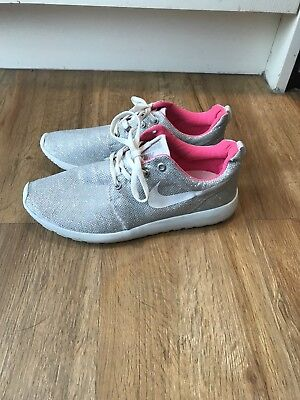 Nike silver casual shoes / trainers, size 6 / Eur 39.