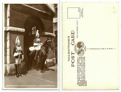 GB 355 - Horse Guards Sentries, Whitehall, London, ungelaufen