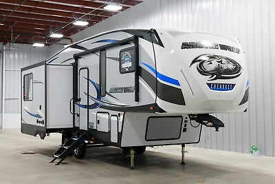 2019 Forest River Artic Wolf Cherokee 285 Drl Fifth Wheel Rear Living