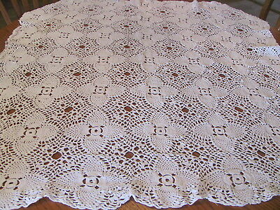 Vintage Hand Crochet Tablecloth or Lap Quilt Afghan - Pineapple Conch Shell