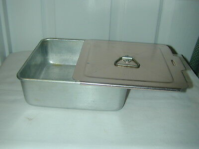 "Vintage Mirro Aluminum Made In U.s.a. 8"" X 8"" 2 5/8"" Cake Pan W/sliding Lid"
