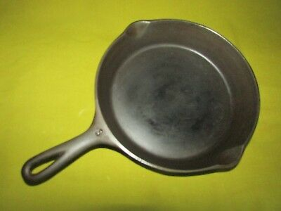 "Vintage No.8 Wagner-Ware Cast Iron Skillet,W/Smoke Ring,10.25"" Diam.,No.1058A,VG"