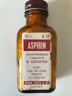 ASPIRIN - VINTAGE BOTTLE - FULL - grocery shop Chemist