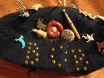BOY'S RARE ORIGINAL 1920's CLOTH BEANIE WITH 50 VINTAGE CHARMS, BUTTONS & PRIZES