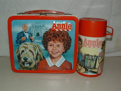 1981 Embossed Tin-Litho Metal Aladdin Annie The Movie Lunchbox,thermos Near Mint