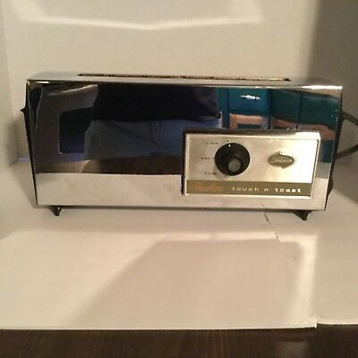Vintage Sunbeam Thinline Touch-n-Toast Chrome Model AT-B  2 slice toaster